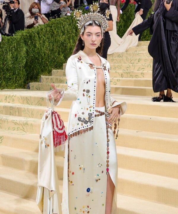 Lorde - 2021 - MET Gala - Vogue - Metropolitan Museum of Art - https://stealthelook.com.br