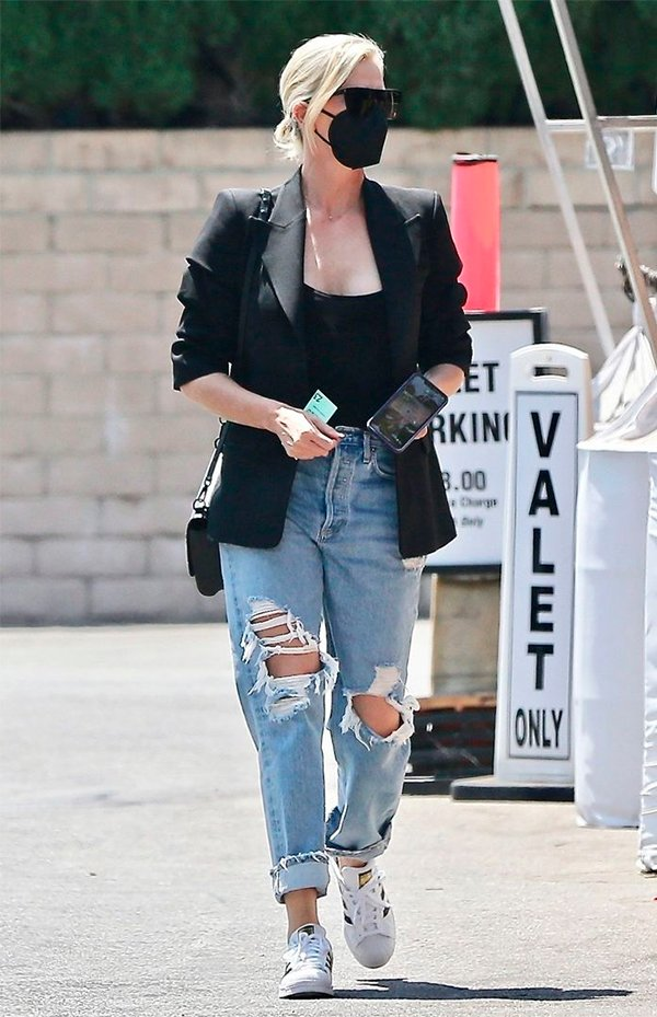 It girls - wide leg - wide leg - Inverno - Street Style - https://stealthelook.com.br