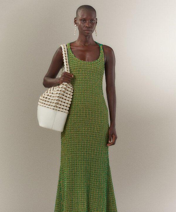3.1 Phillip Lim - 2022 - New York Fashion Week - Primavera - Verão - verde e laranja - https://stealthelook.com.br