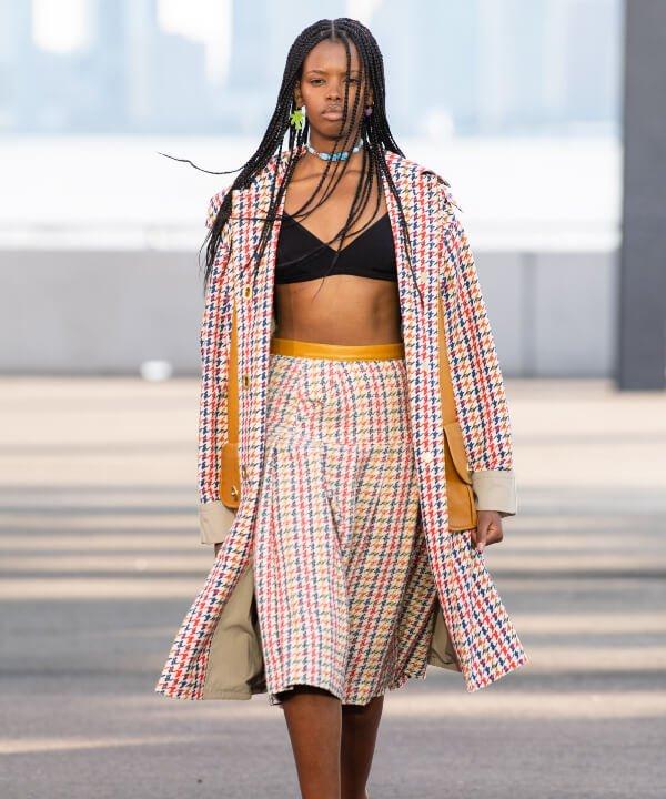 Coach - 2022 - New York Fashion Week - Primavera - Verão - xadrez - https://stealthelook.com.br