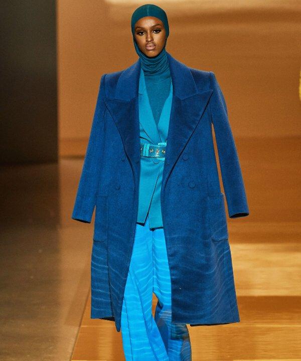 Sergio Hudson - 2022 - New York Fashion Week - Primavera - Verão - azul - https://stealthelook.com.br