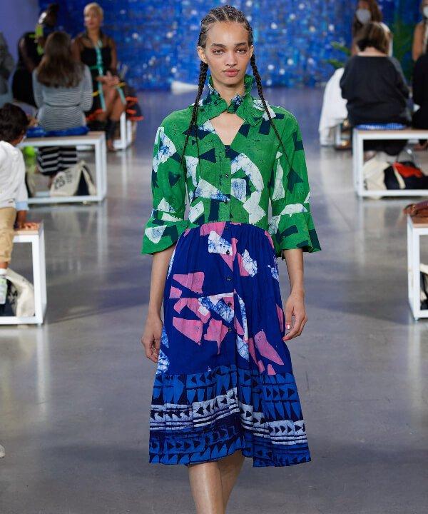 Studio 189 - 2022 - New York Fashion Week - Primavera - Verão - saia midi - https://stealthelook.com.br