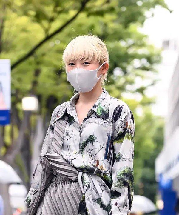 Pixie com franja  - pixie com franja  - tendências de cortes de cabelo  - Tokyo fashion week  - corte pixie - https://stealthelook.com.br