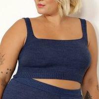 top cropped de tricô plus size alça larga decote reto mindset azul marinho