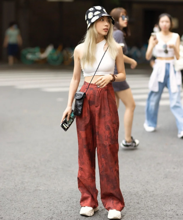 China Street Styles - Casual - street style da China - Verão - Steal the Look - https://stealthelook.com.br