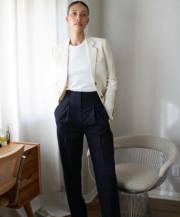 Tylynn Nguyen - roupas - roupas para entrevista de emprego - roupas para entrevistas de emprego - entrevista de emprego - https://stealthelook.com.br