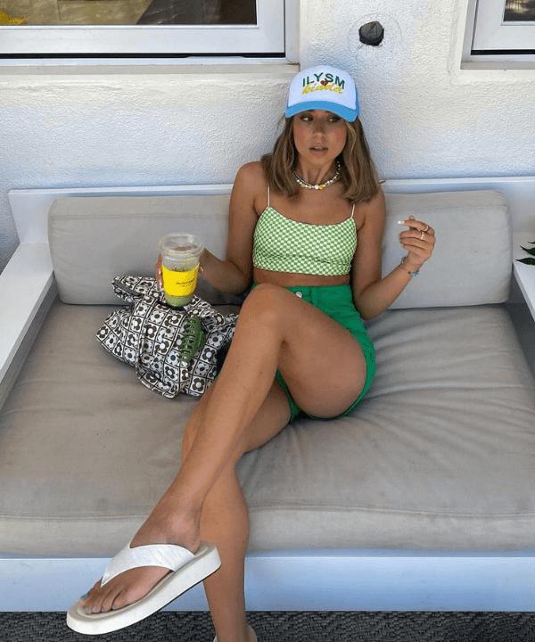 Emma Seville - Looks de verão - looks de praia - Verão - Steal the Look  - https://stealthelook.com.br