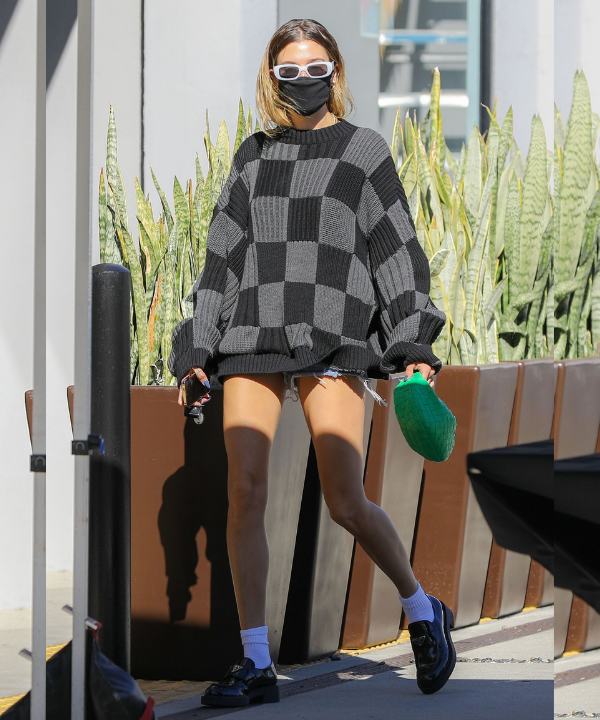 Hailey Bieber - Street Style - sapato tendência - Outono - Steal the Look  - https://stealthelook.com.br
