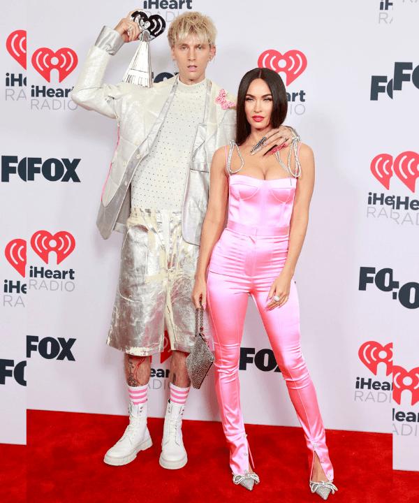 Megan Fox e Machine Gun Kelly - Tapete vermelho - Megan Fox e Machine Gun Kelly - Verão - Steal the Look  - https://stealthelook.com.br
