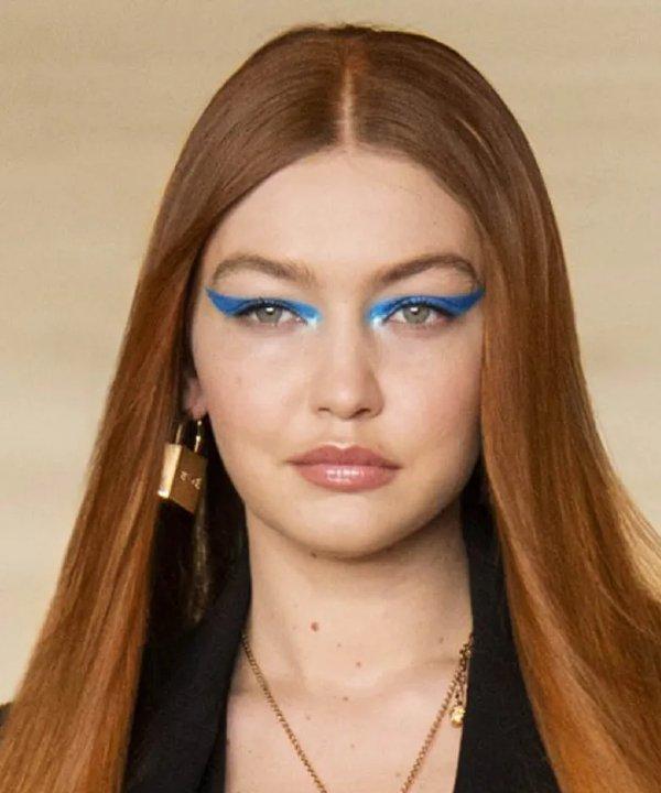 Versace - 2022 - tendências de beleza - Primavera - Verão - semana de moda - https://stealthelook.com.br