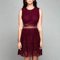 Vestido vermelho rendado