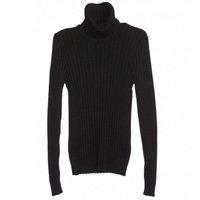 suéter turtleneck